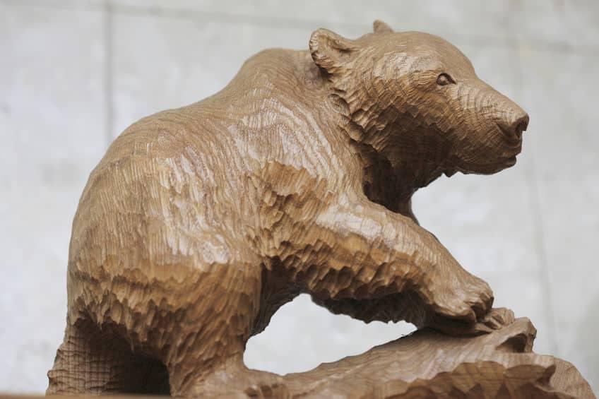 """北海道の民芸品""""木彫りのクマ""""を発案したのは尾張徳川家当主!という雑学まとめ"""