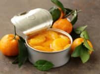 缶詰のみかんの薄皮は塩酸で処理されているという雑学