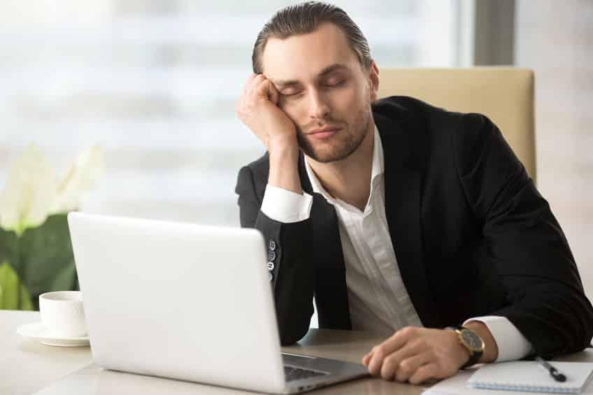 寝ているときに「ビクッ」となるのはなぜ?に関する雑学