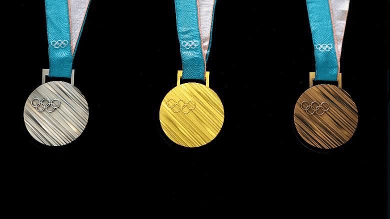 """手渡しだった!五輪のメダルが""""吊るし式""""に定着したのはローマ大会からというトリビア"""