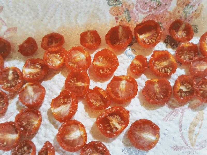 干しトマト作り2日目の様子