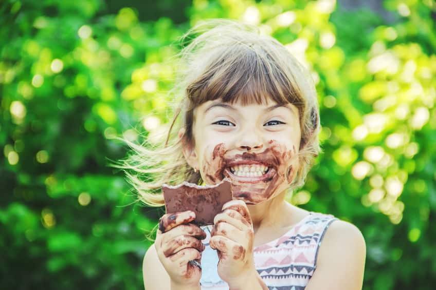 鼻血が出るうわさはチョコの食べすぎを防ぐため?というトリビア