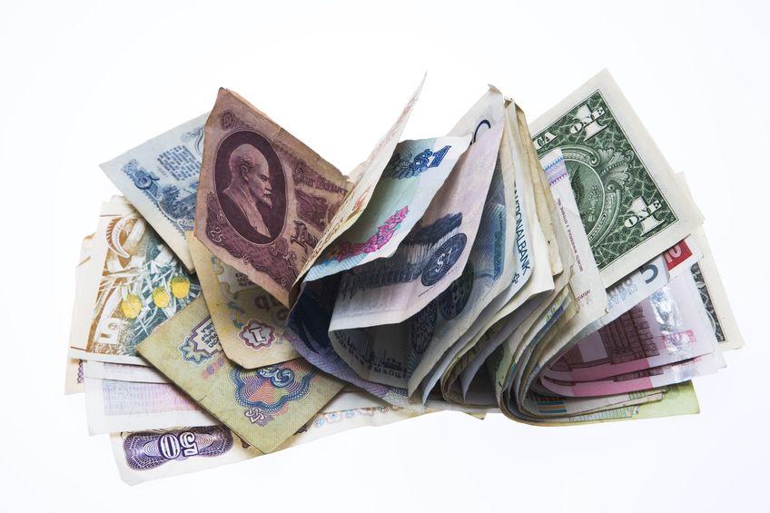 チップ文化などの影響で、海外には財布を使わない人が多いというトリビア