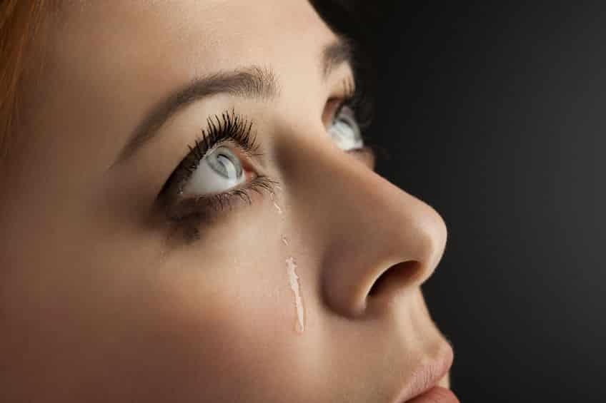 涙の成分には「油」も含んでいるという雑学