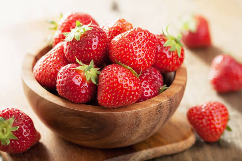 いちごの赤い部分は「果実」ではないという雑学