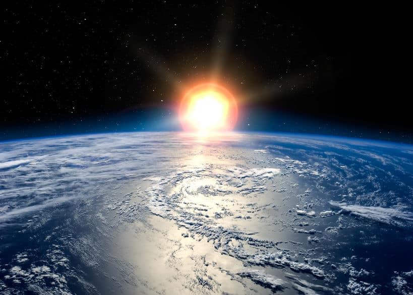 太陽は約50億年前、宇宙のチリから誕生したというトリビア