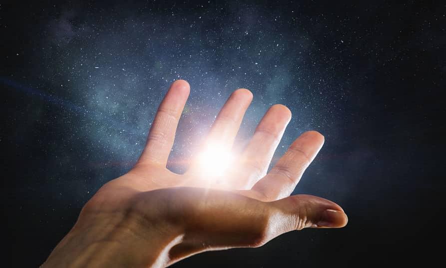 人間の身体は発光しているという雑学