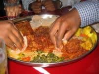 世界の40%は食事を手で食べるという雑学