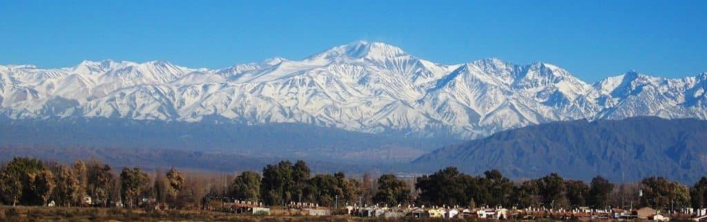 アンデス山脈は7か国にまたがる最長の山脈についてのトリビア