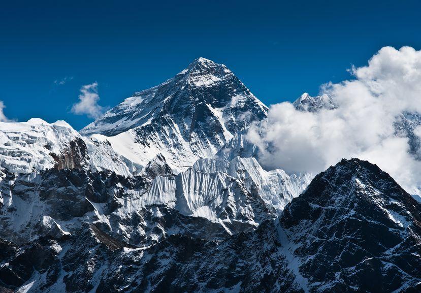 世界一高い山で開催される「エベレストマラソン」の全貌についてのトリビア
