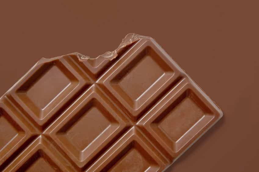 板チョコの溝は割るためではなく、作り手側の都合だった