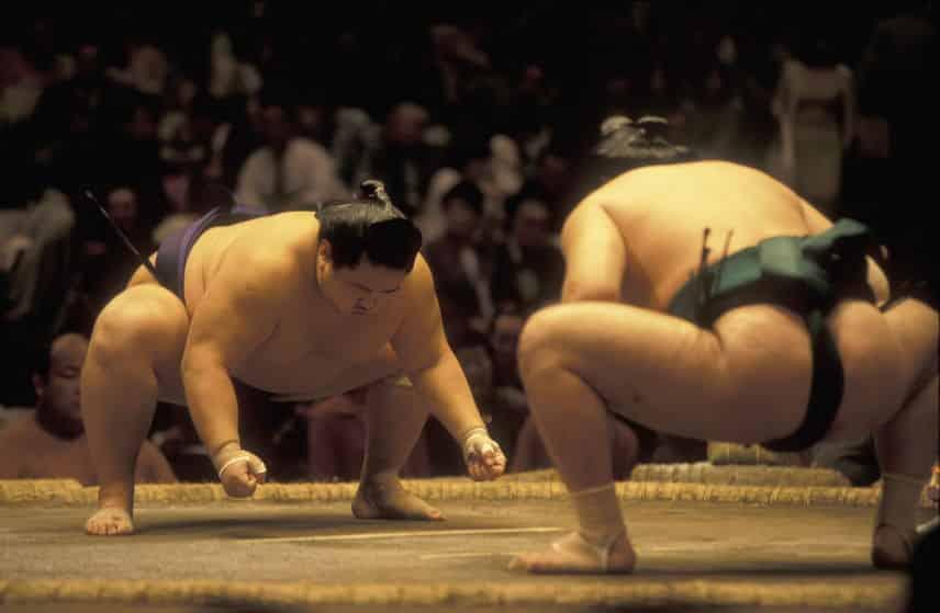 日本で初めて行われた相撲の取り組みについてのトリビア