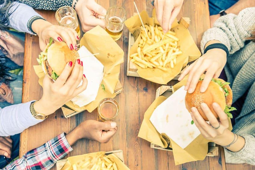 ファーストフードは食べれば食べるほどアレルギーが悪化するというトリビア