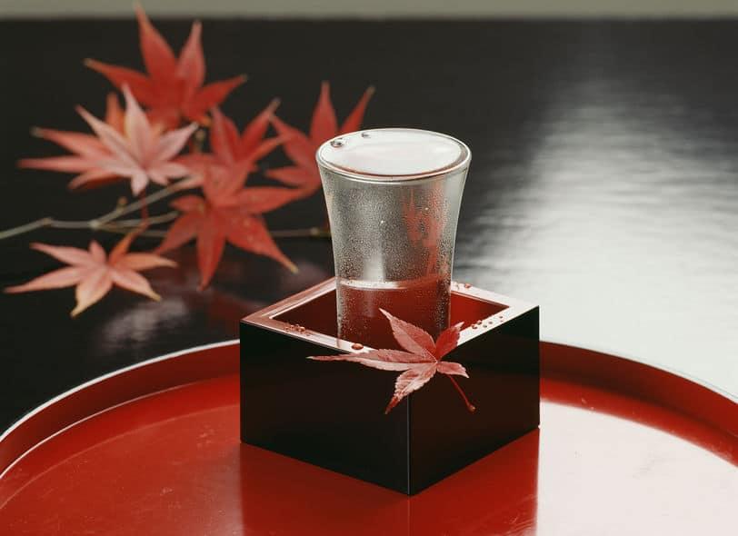 なぜ日本酒は升(ます)に溢れるまで注ぐの?【もっきり】についてのトリビアまとめ