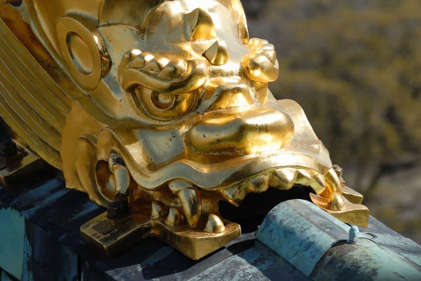 起源は織田信長!お城のシャチホコはもともと瓦製だったというトリビアまとめ