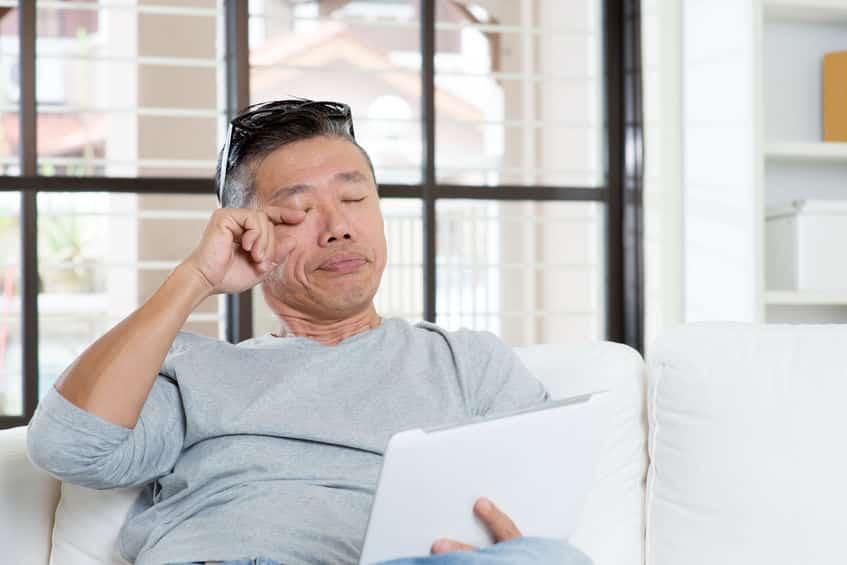 アレが乾燥を防止!眠いときに目をこするのはなぜ?という雑学まとめ