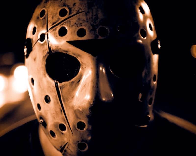 ジェイソンは、最初はホッケーマスクを被っていなかった!という雑学
