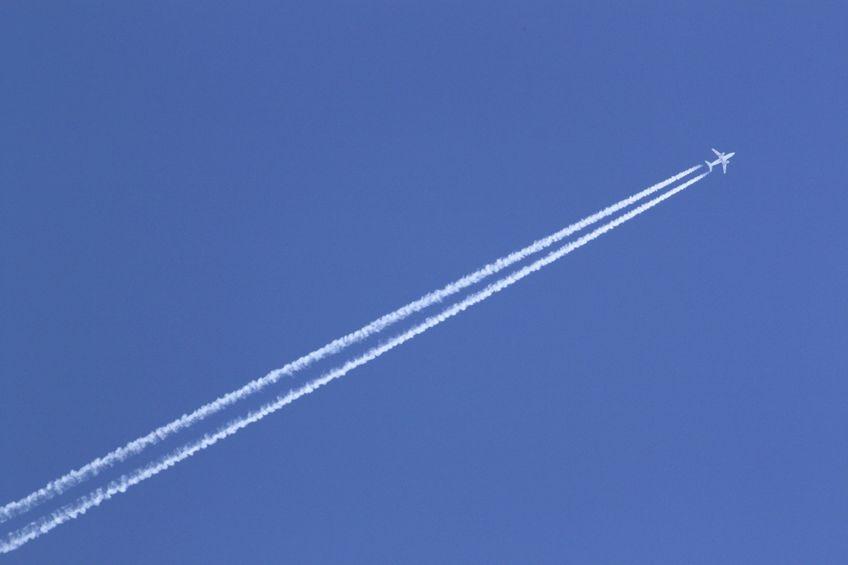 3000フィート以下では時速370キロ、3000フィート以上では時速460キロというトリビア