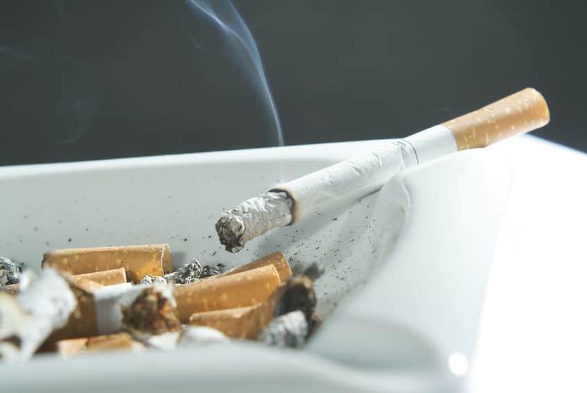 ビタミンBのサプリメントはタバコの健康被害を悪化させるというトリビア