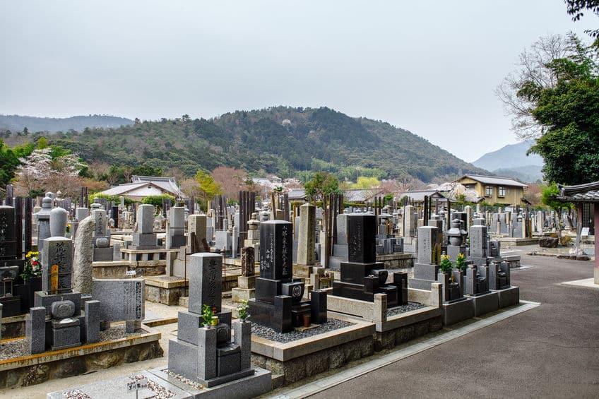 お墓に水をかけてあげることに関する雑学