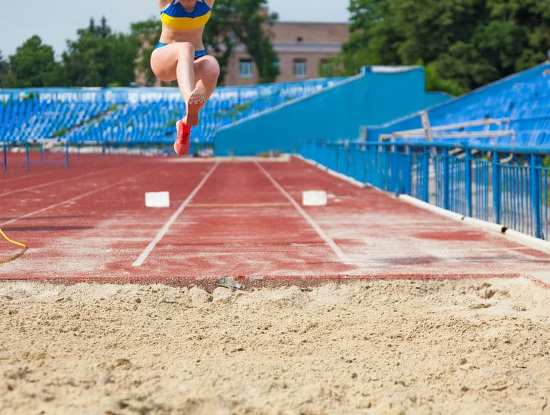「走り幅跳び」の助走距離に決まりはないというトリビア
