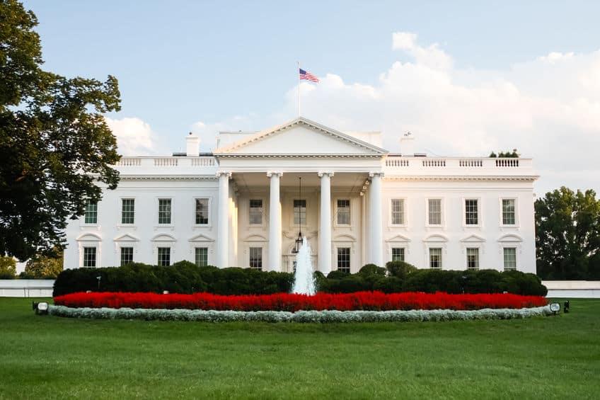 """グレーだった!アメリカ大統領官邸は""""ホワイトハウス""""ではなかったというトリビア"""
