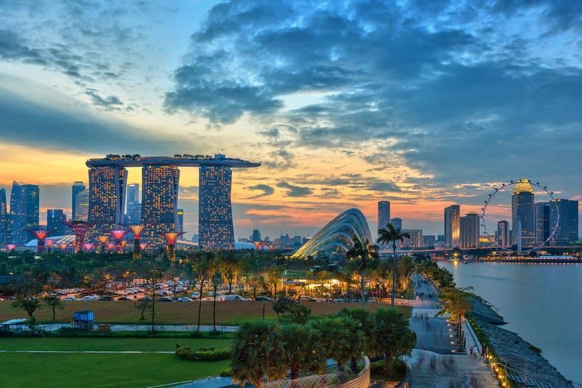 】歩くのが一番速いのはシンガポール人というトリビア