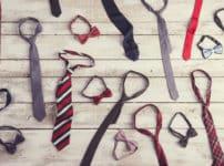 100円ショップで一番売れている商品は「ネクタイ」という雑学