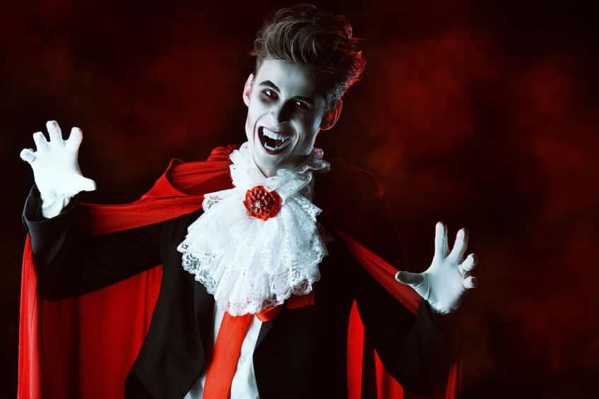 なぜ貴族に?吸血鬼はもともとゾンビのような化け物だったという雑学まとめ