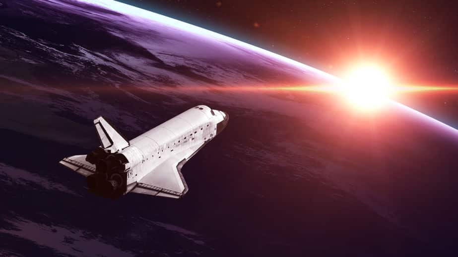 地球から太陽までは、光の速さだと8分20秒かかるという雑学