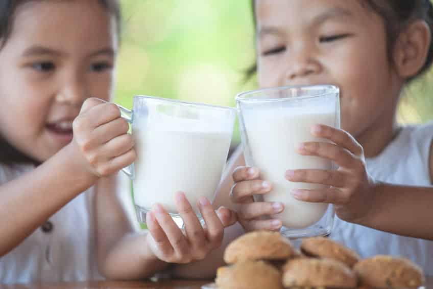 """とりあえず牛乳で!""""牛乳で乾杯条例""""を制定している町があるというトリビアまとめ"""