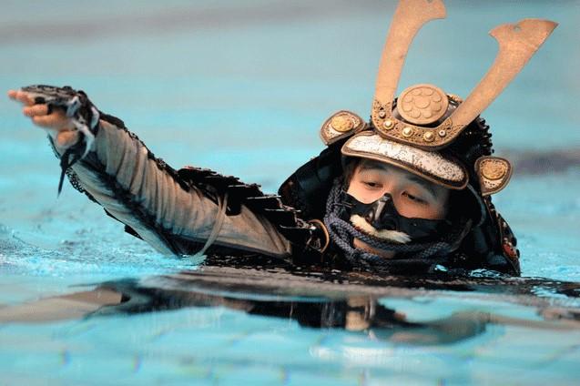 江戸時代から伝わる「日本の泳ぎ方」があるという雑学