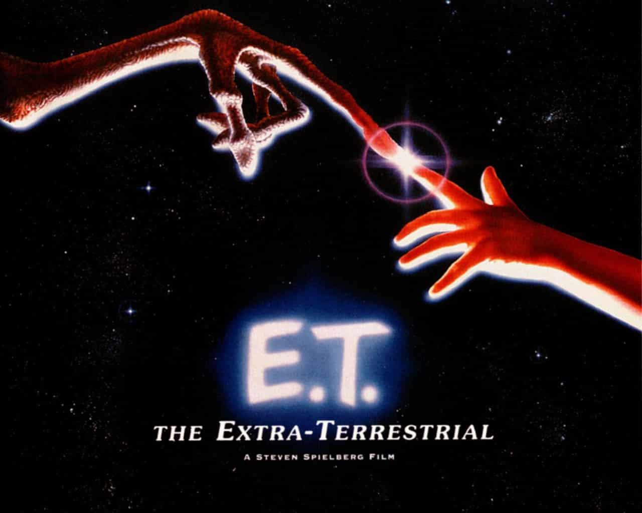 映画「E.T.」には指と指が触れ合うシーンはないという雑学