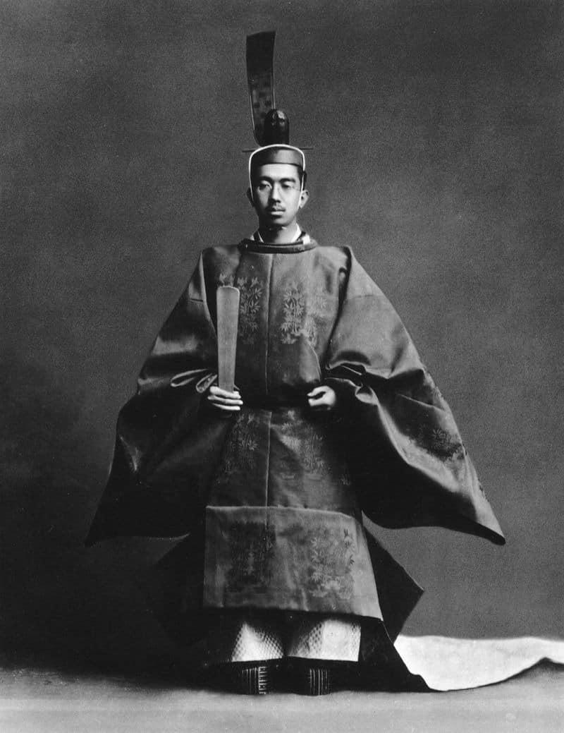 昭和天皇の在位期間は世界一長い!?というトリビア