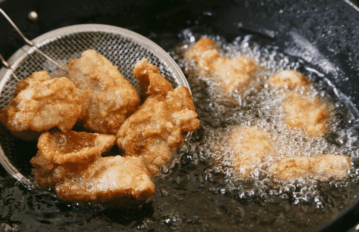 大分県では味噌汁の具に唐揚げを入れることがあるという雑学