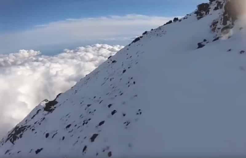 """""""富士山へGO""""の滑落事故。ここから滑落した"""