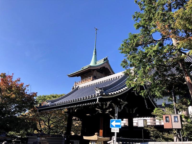 銅閣寺に入れず