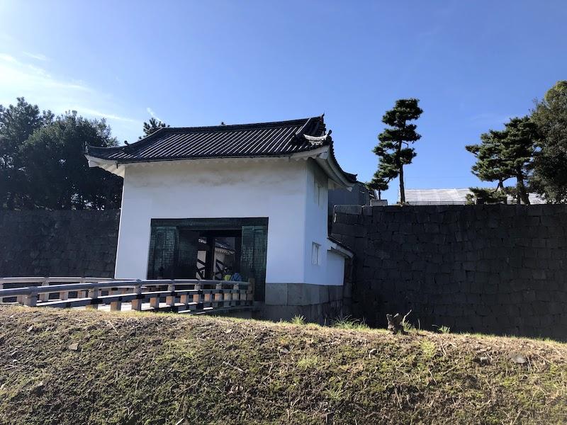 二条城の本丸前の門