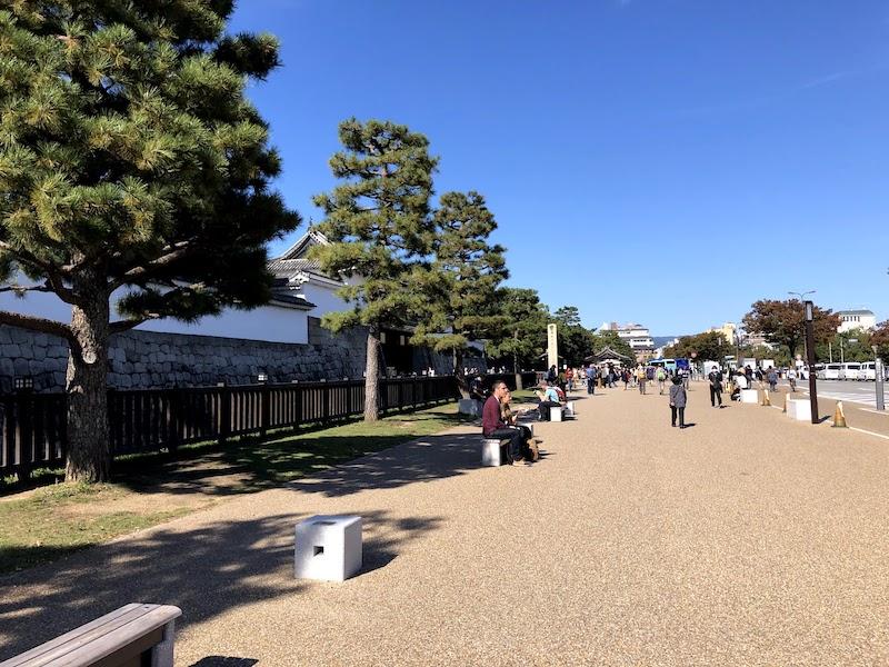 二条城前の広場