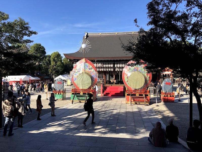 八坂神社の境内