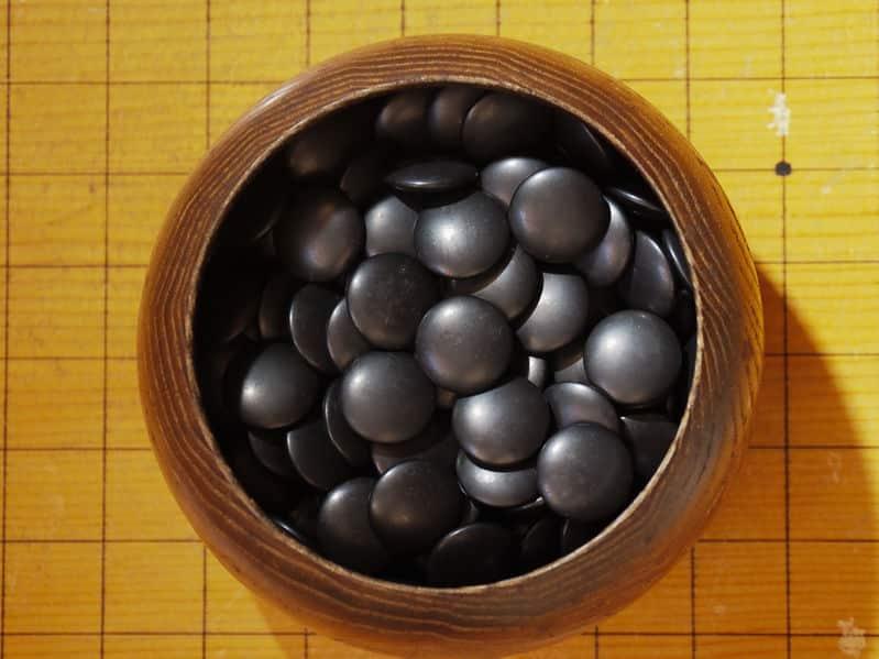 黒石の方が0.3mm大きいというトリビア