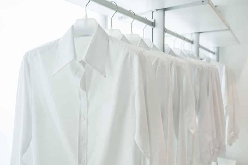 白シャツの黄ばみ対策にはベビーパウダーが効果あり!