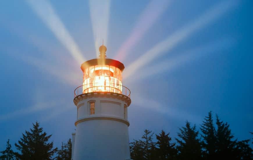 日本で一番古い灯台は住吉大社の「住吉高灯篭」という雑学