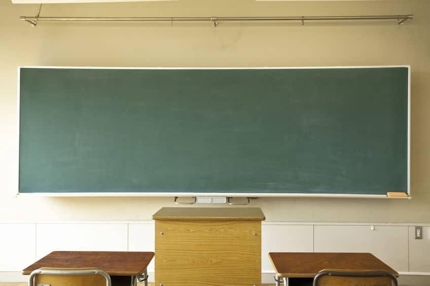 脳が判断?黒板を爪でひっかく音はなぜ不快なのか?という雑学まとめ