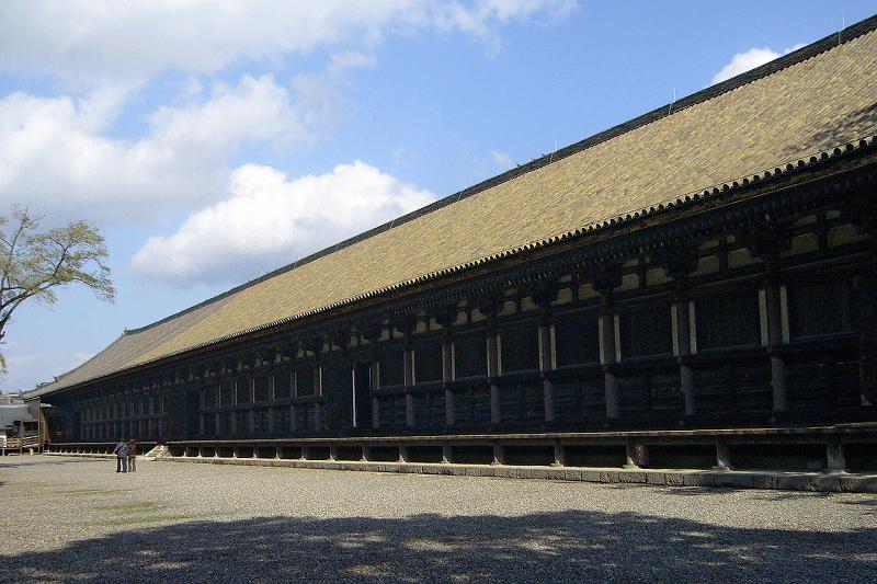 日本一長い木造建築は、京都蓮華王院・三十三間堂についてのトリビア
