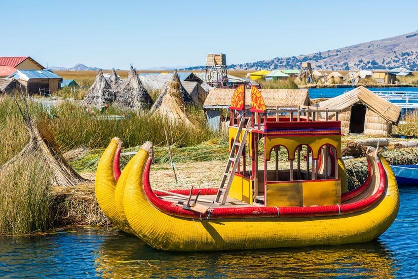 チチカカ湖には人の手で作った浮島に住んでいる民族がいるというトリビア