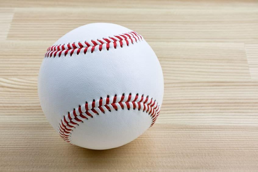 野球の新品のボールには蝋が塗られているというトリビア