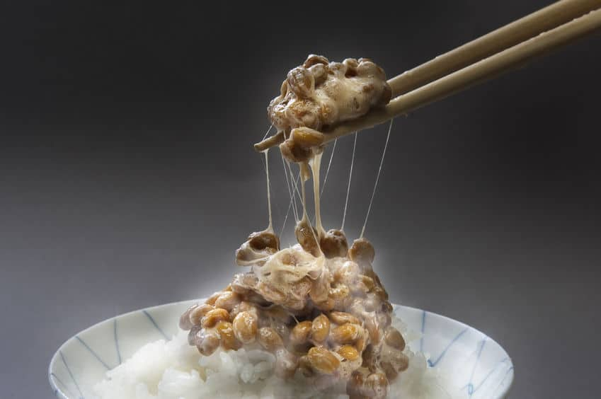 納豆のネバネバには味噌汁が効果的という雑学
