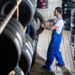 タイヤが黒い理由に関する雑学
