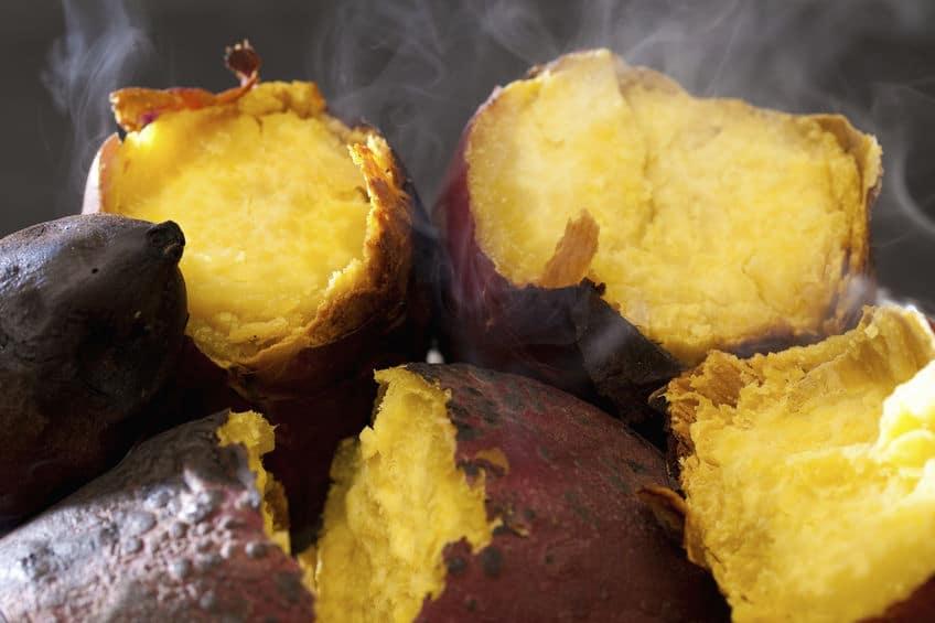 石焼き芋はでんぷんが糖化されやすい温度調整になっているというトリビア